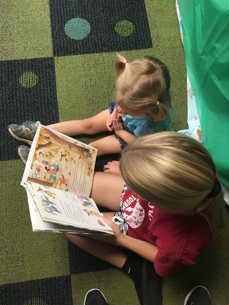 5th Grade reading to Head Start