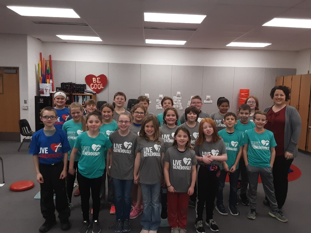 fourth grade class with lydia Hiesterman in their new t- shirts