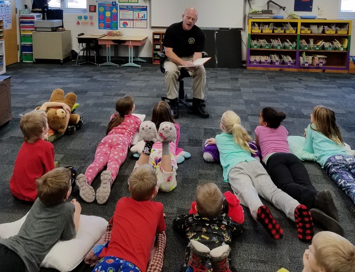 Sheriff Cordry reading to class
